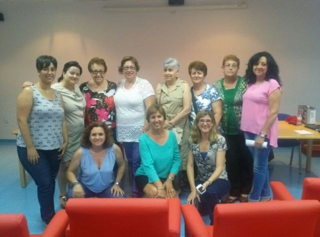 """Associations of Raiguero """"Let's walk"""" and """"rural women"""" participated in a Workshop on Prevention of Domestic Violence"""
