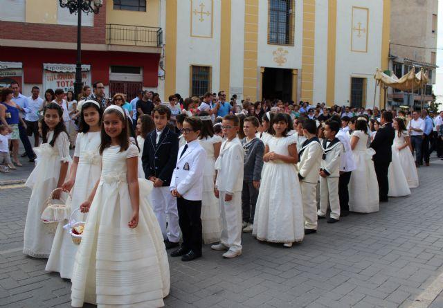 Los niños y niñas lumbrerenses que hicieron su Primera Comunión celebran la procesión del Corpus 2014 - 1, Foto 1