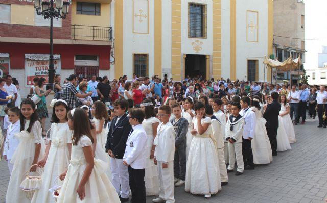 Los niños y niñas lumbrerenses que hicieron su Primera Comunión celebran la procesión del Corpus 2014 - 2, Foto 2