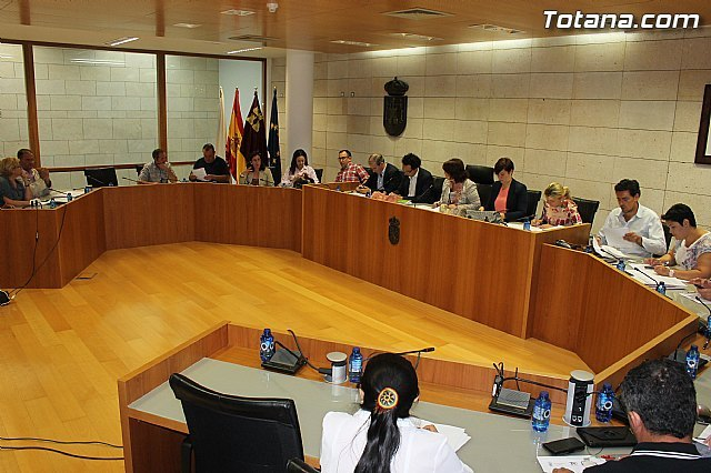 Ordinary Plenary June includes the approval of the two local festivals 2015