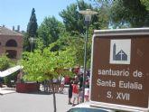 El Mercadillo Artesano de La Santa congrega a numeroso público en las inmedicaciones del atrio del santuario