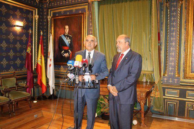 Alberto Garre se compromete a acelerar la construcción de la rotonda de acceso al Complejo Deportivo, Foto 3