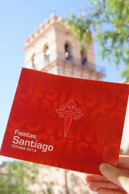 Comienza hoy a repartirse m�s de 3000 programas de las fiestas de Santiago Ap�stol 2014, Foto 2