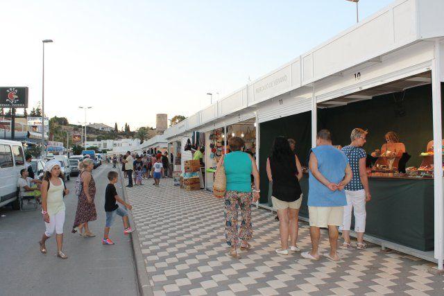 Dos mercados artesanales amplían la oferta comercial hasta finales de agosto, Foto 1