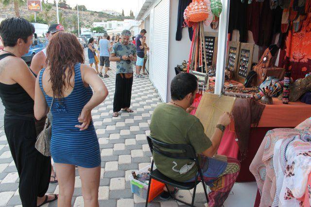 Dos mercados artesanales amplían la oferta comercial hasta finales de agosto, Foto 2