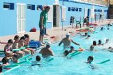 El Concejal de Deportes, Fulgencio García, visita las instalaciones de la Piscina Municipal de Verano