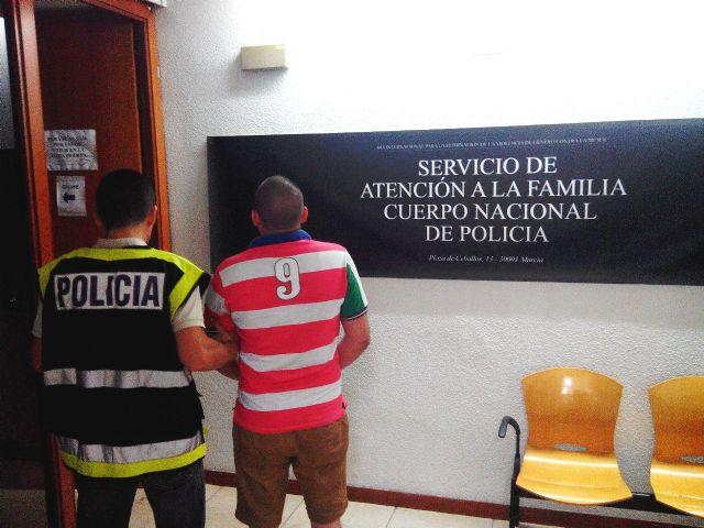 La Policía Nacional detiene en Murcia a un ciudadano británico condenado por agresión sexual y corrupción de menores, Foto 1