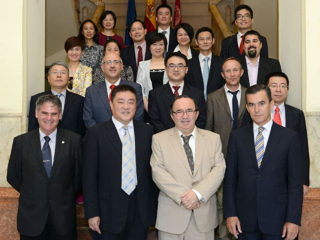 La Universidad de Murcia exporta la tarjeta inteligente a universidades chinas - 1, Foto 1