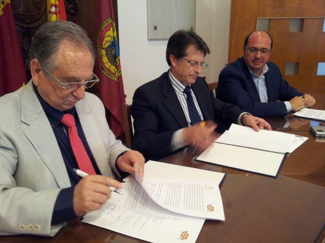 El Ayuntamiento de Lorca y ElPozo firman un acuerdo, Foto 2