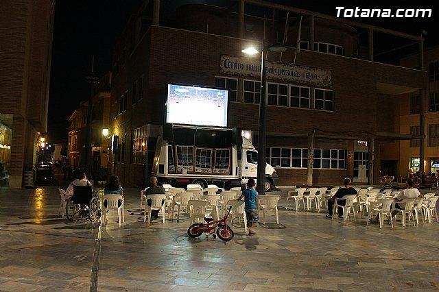 Instalaron una pantalla gigante en la Plaza Balsa Vieja, Foto 1