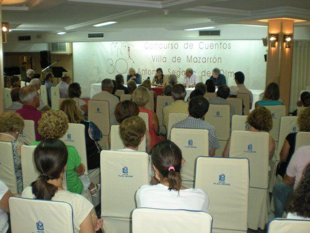 Todo preparado para la entrega de premios de la XXX edición del Certamen de Cuentos Villa de Mazarrón, Foto 2