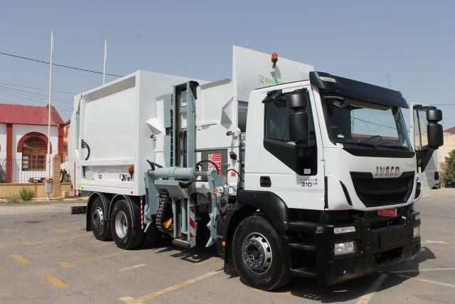 Mazarrón en la vanguardia medioambiental al renovar su flota de vehículos de limpieza con un nuevo camión, Foto 1