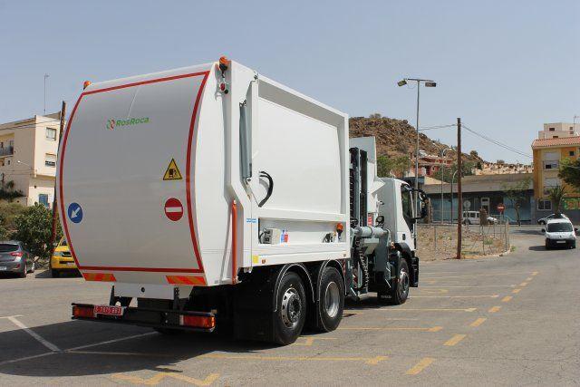 Mazarrón en la vanguardia medioambiental al renovar su flota de vehículos de limpieza con un nuevo camión, Foto 2