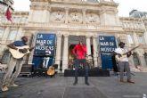 Debademba puso en pie la Plaza del Ayuntamiento