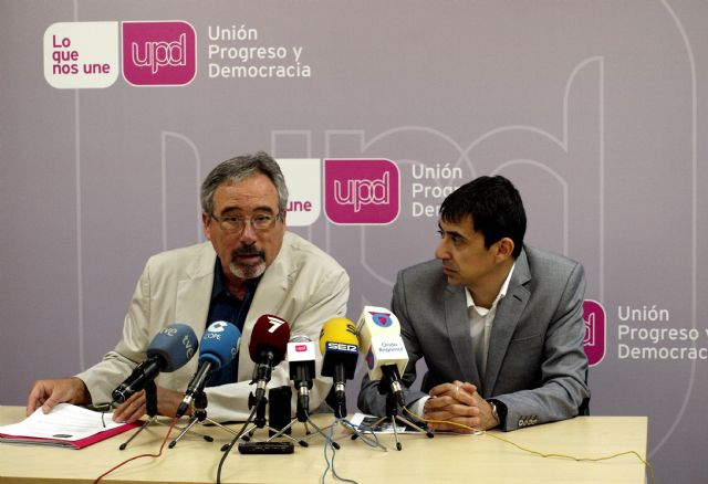 UPyD Murcia propone nuevas ubicaciones para las estatuas de Abderramán II y D. José María Muñoz - 1, Foto 1