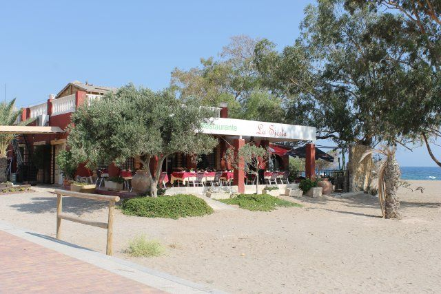 El ayuntamiento se opone al derribo del restaurante La Siesta de Bolnuevo previsto para este martes, Foto 1
