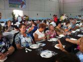 Autoridades municipales celebran junto con usuarios del Centro de Personas Mayores la Balsa Vieja el 'Día del abuelo'