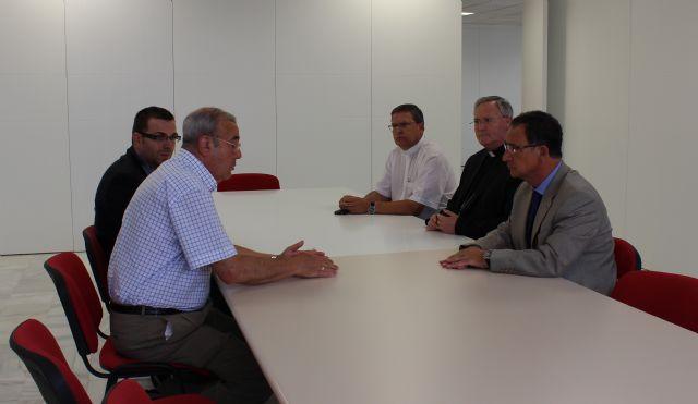 El delegado del Gobierno visita las nuevas instalaciones de Cáritas en Espinardo - 1, Foto 1