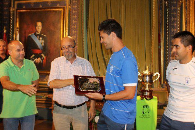 Los subcampeones de España de Fútbol Playa son recibidos en el ayuntamiento y reciben una placa de homenaje, Foto 1