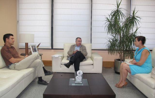 Reunión con el alcalde de Alhama de Murcia, Foto 1