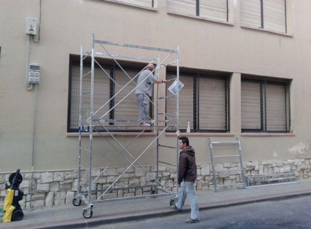 El Ayuntamiento realiza obras de mejora en colegios del municipio aprovechando el periodo vacacional - 1, Foto 1
