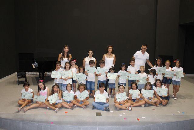 Decenas de niños y niñas de Jumilla despiden las diversas ludotecas y escuelas de verano con almuerzos, juegos y entrega de diplomas - 3, Foto 3