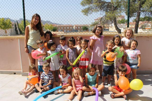 Decenas de niños y niñas de Jumilla despiden las diversas ludotecas y escuelas de verano con almuerzos, juegos y entrega de diplomas - 4, Foto 4