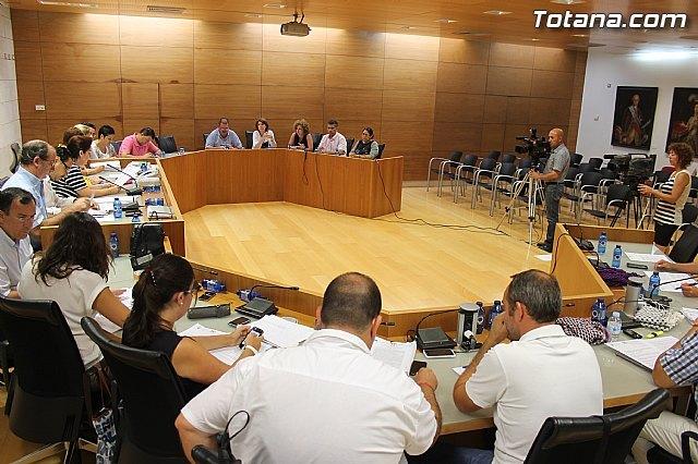 El Pleno acuerda la cesión gratuita de una parcela a la Comunidad de Regantes - 1, Foto 1