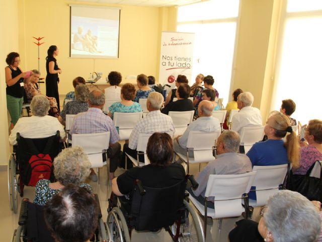 Puerto Lumbreras ofrece charlas a sus mayores para protegerse del calor el mes de agosto - 1, Foto 1