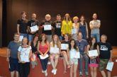 La directora general del Instituto de Industrias Culturales y la directora del Festival de Teatro entregaron los diplomas del curso sobre el trabajo del actor