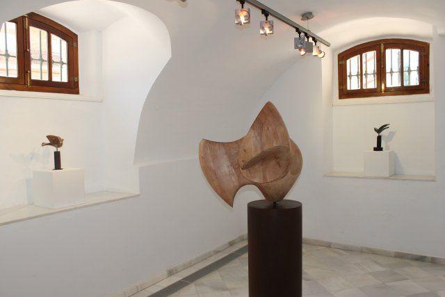 Cultura organiza una visita guiada a la exposición de Lola Arcas en las Casas Consistoriales - 1, Foto 1