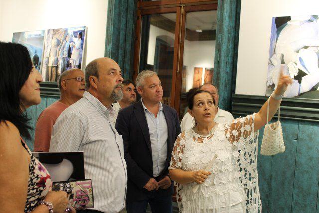 Cultura organiza una visita guiada a la exposición de Lola Arcas en las Casas Consistoriales - 4, Foto 4