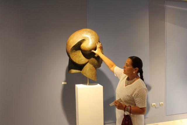Lola Arcas muestra sus fuentes de inspiración en su exposición de las Casas Consistoriales, Foto 2