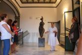 Lola Arcas muestra sus fuentes de inspiración en su exposición de las Casas Consistoriales