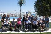 Los mayores del Centro de Día de Puerto Lumbreras visitan las nuevas piscinas municipales