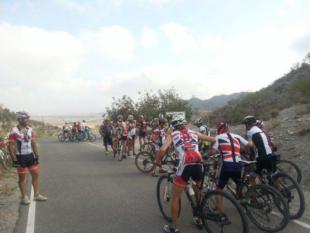 El Club Ciclista Fenicios organiza una ruta nocturna por las calas de Bolnuevo, Foto 1