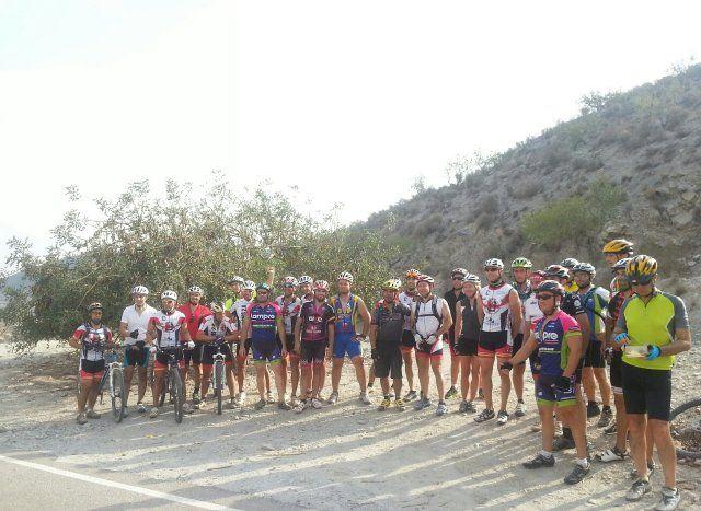 El Club Ciclista Fenicios organiza una ruta nocturna por las calas de Bolnuevo, Foto 2