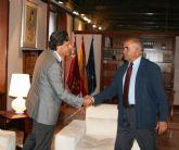 El jefe del Ejecutivo regional recibe al presidente de la Asociación Nacional de Productores de Energía Fotovoltaica