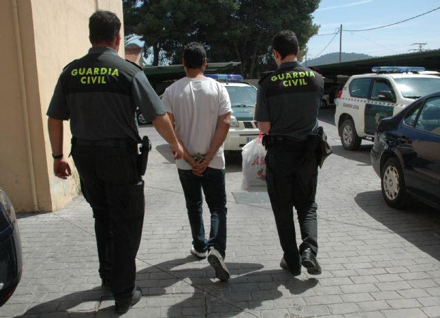 La Guardia Civil detiene a 12 personas por delitos de lesiones y des�rdenes p�blicos en zonas de ocio, Foto 2