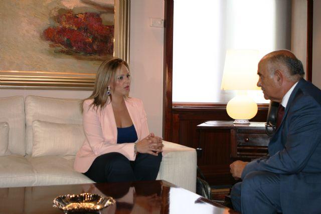 El jefe del Ejecutivo murciano recibe a la alcaldesa de Torre Pacheco, Josefa Marín Otón - 1, Foto 1