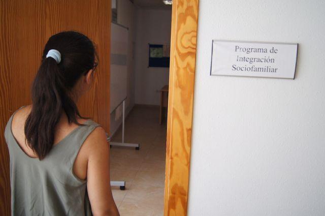 Ayuntamiento y CARM firmar�n un convenio para continuar con las prestaciones b�sicas de los servicios sociales de atenci�n primaria, Foto 1