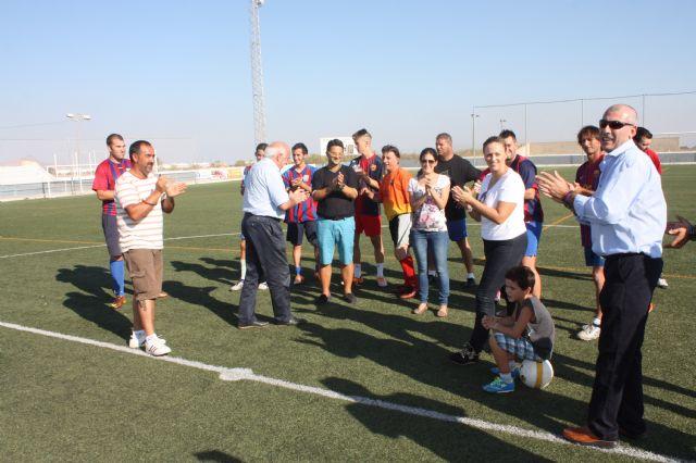 """El jugador del FC Barcelona """"Asensi"""" en el quinto aniversario de la Peña Barcelonista de Roldán - 2, Foto 2"""
