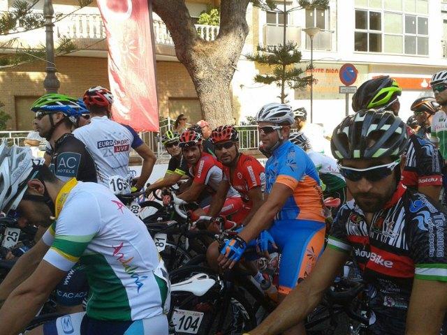 Los ciclistas del CC Santa Eulalia, muy combativos en los Campeonatos de España Master de Ciclismo en Ruta, Foto 2