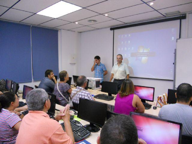 La Concejalía de Formación y Empleo pone en marcha un curso de iniciación al Sistema Operarito LINUX, Foto 1