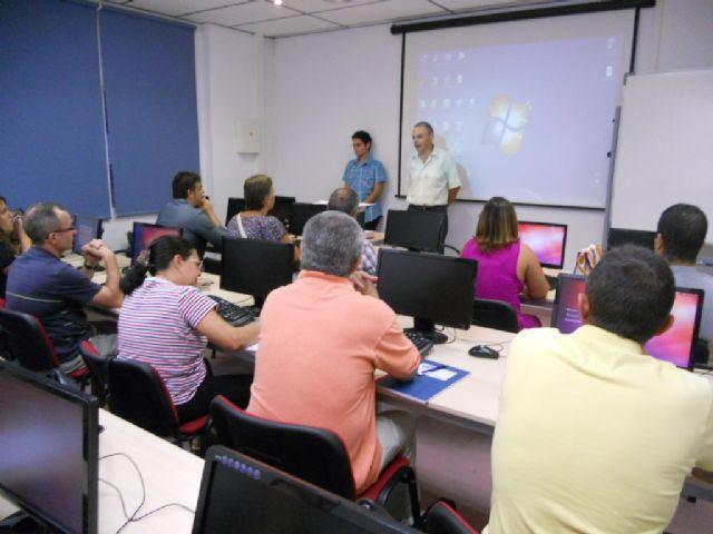 La Concejalía de Formación y Empleo pone en marcha un curso de iniciación al Sistema Operarito LINUX, Foto 2