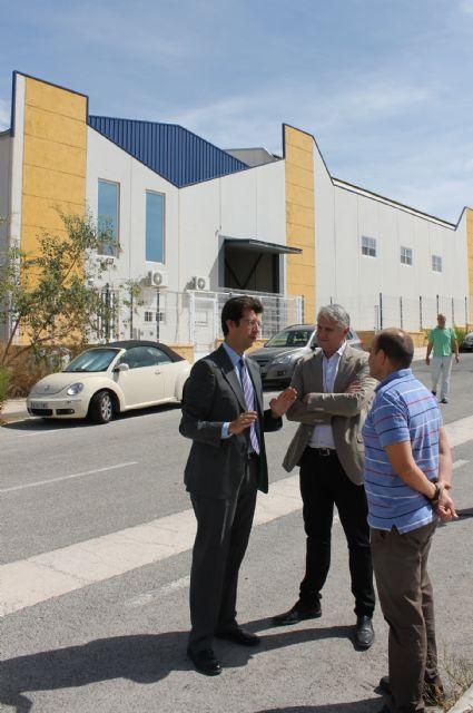 Juan Carlos Ruiz visita el polígono industrial de Albudeite - 2, Foto 2