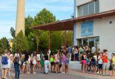 Los estudiantes del IES 'Villa de Alguazas' reciben el nuevo curso con la visita del Secretario General de la Consejería de Educación
