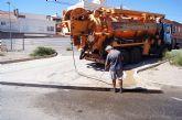 El Servicio Municipal de Aguas procede a la limpieza de imbornales