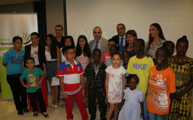 Terra Fecundis entrega trece becas de estudios a hijos de sus trabajadores - 1, Foto 1