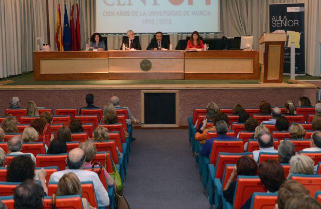 Una conferencia sobre los fundamentos históricos y filosóficos de la universidad abrió el curso del Aula Senior - 1, Foto 1